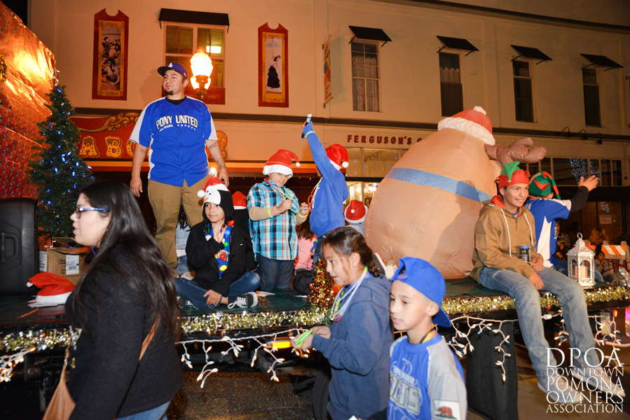 Pomona Christmas Parade 2017DSC_8659 copy.jpg