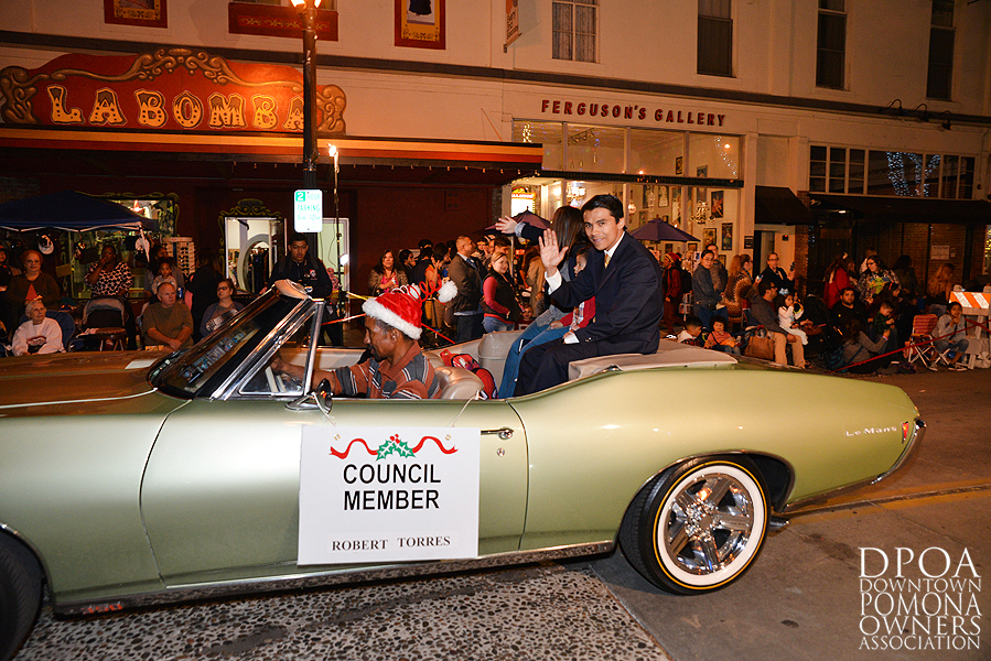 Pomona Christmas Parade 2017DSC_8661 copy.jpg
