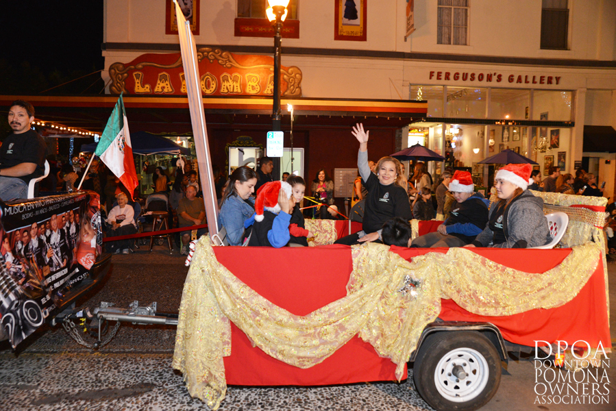 Pomona Christmas Parade 2017DSC_8667 copy.jpg
