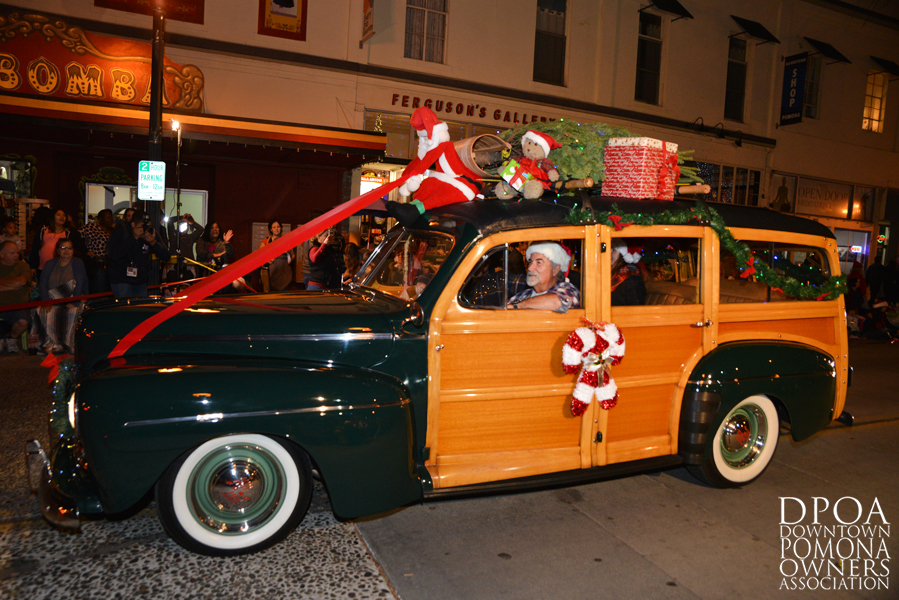 Pomona Christmas Parade 2017DSC_8701 copy.jpg