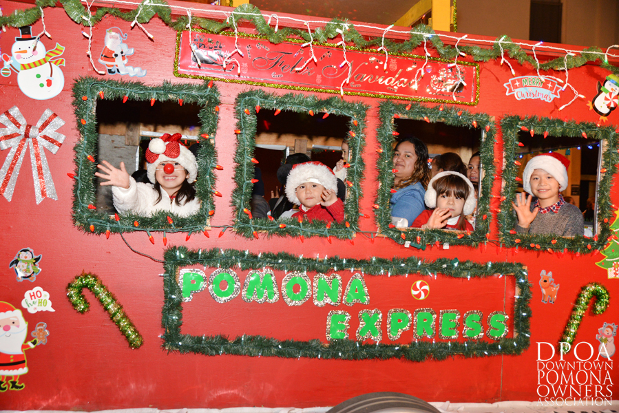 Pomona Christmas Parade 2017DSC_8703 copy.jpg