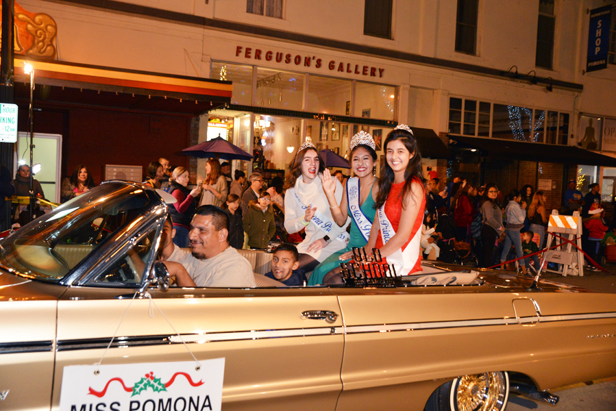 Pomona Christmas Parade 2017DSC_8736.jpg