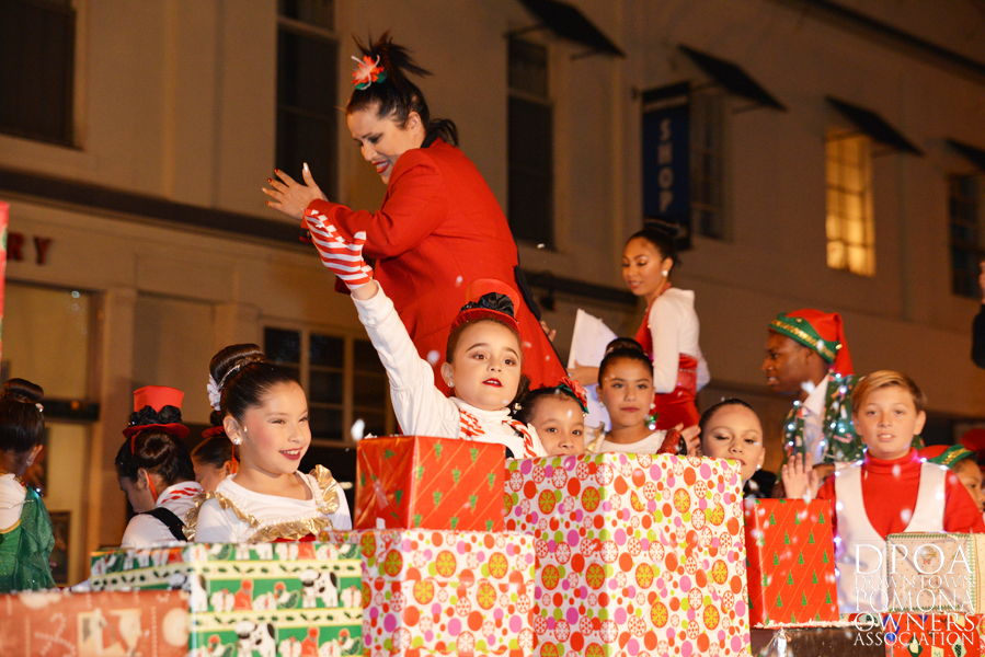 Pomona Christmas Parade 2017DSC_8781 copy.jpg