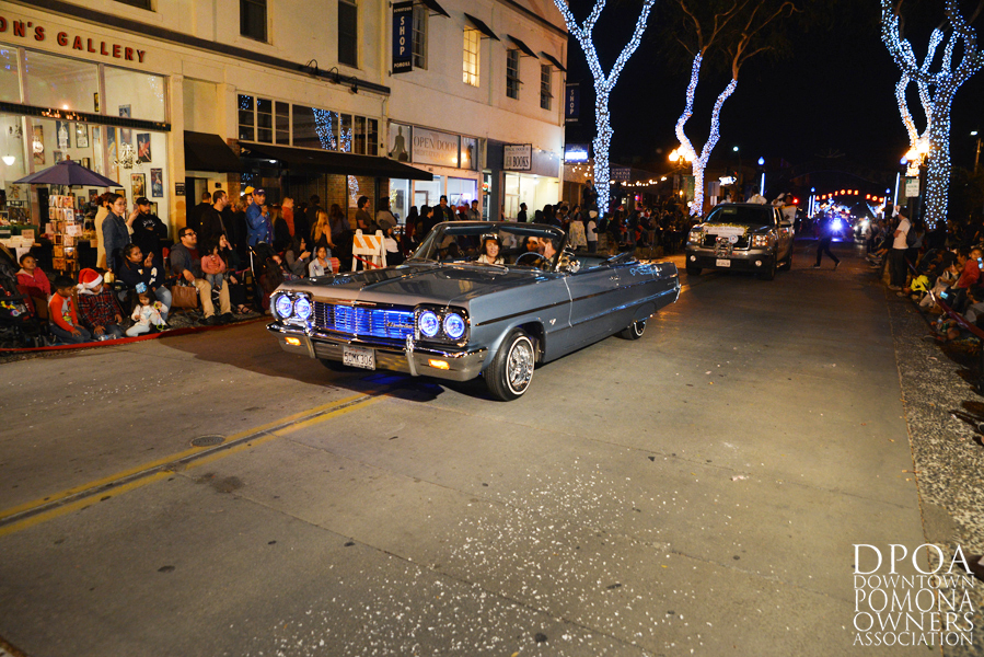 Pomona Christmas Parade 2017DSC_8856 copy.jpg