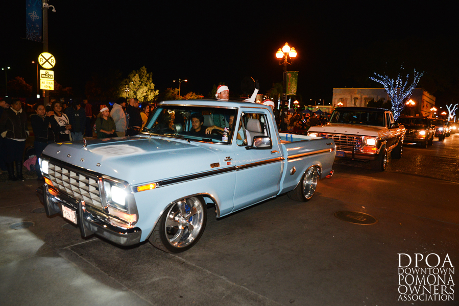Pomona Christmas Parade 2017DSC_8914 copy.jpg