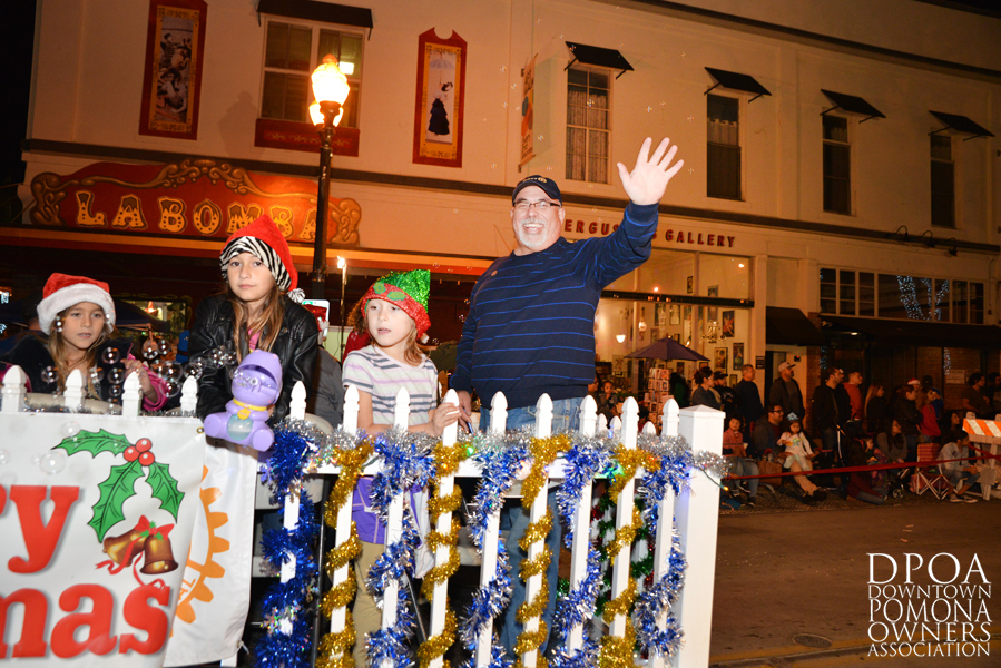 Pomona Christmas Parade 2017DSC_8947 copy.jpg