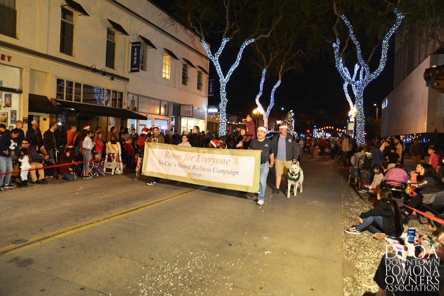 Pomona Christmas Parade 2017DSC_8958 copy.jpg