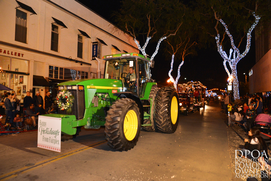 Pomona Christmas Parade 2017DSC_9016 copy.jpg
