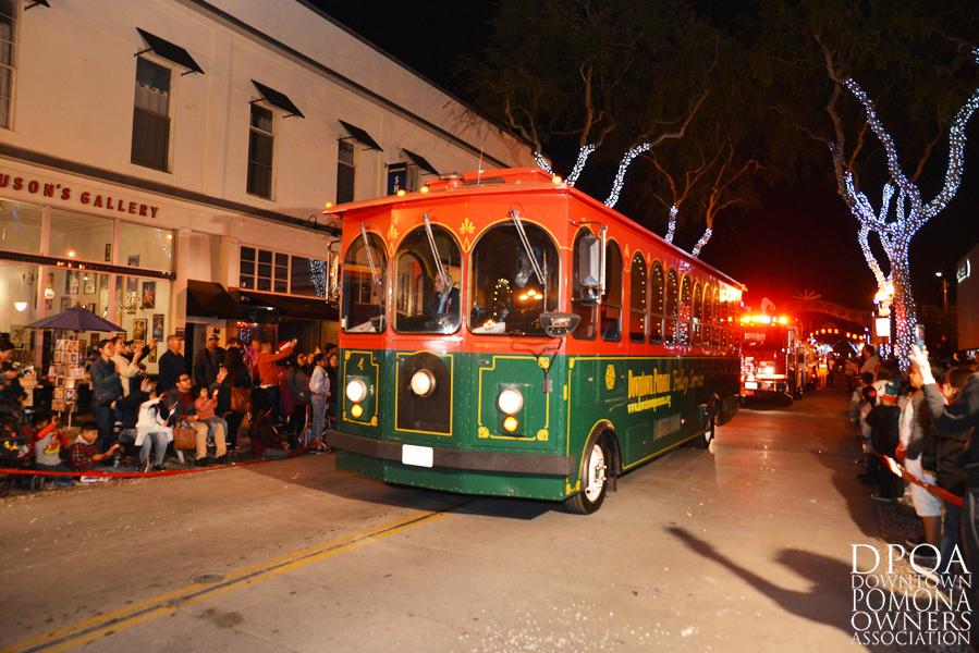 Pomona Christmas Parade 2017DSC_9054 copy.jpg