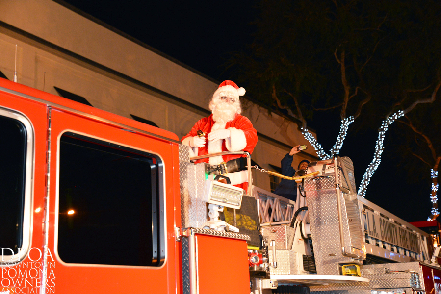 Pomona Christmas Parade 2017DSC_9068.jpg