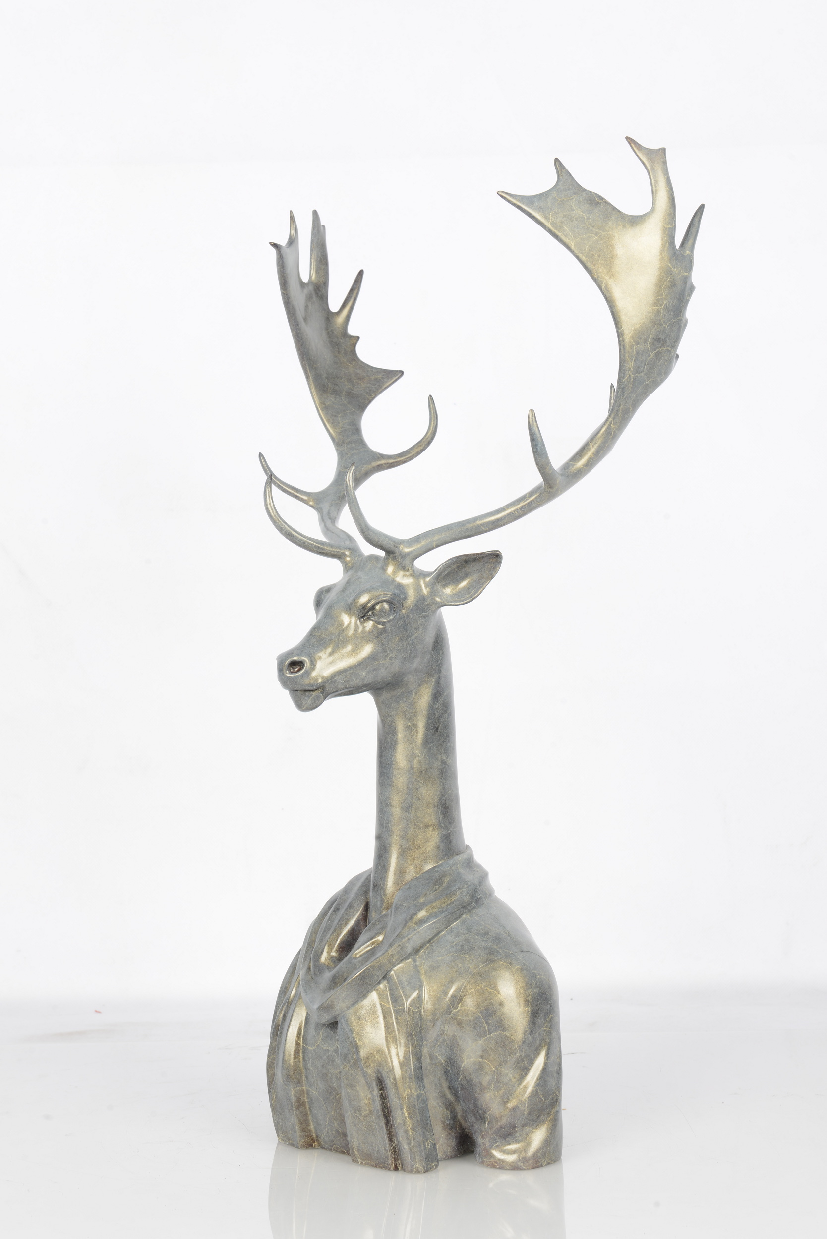 Kai Mao《Superior Animals-Mr Deer》Bronze  62x40x103cm.JPG