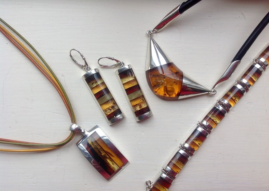 amber-silver-jewellery-knock-gallery.jpg