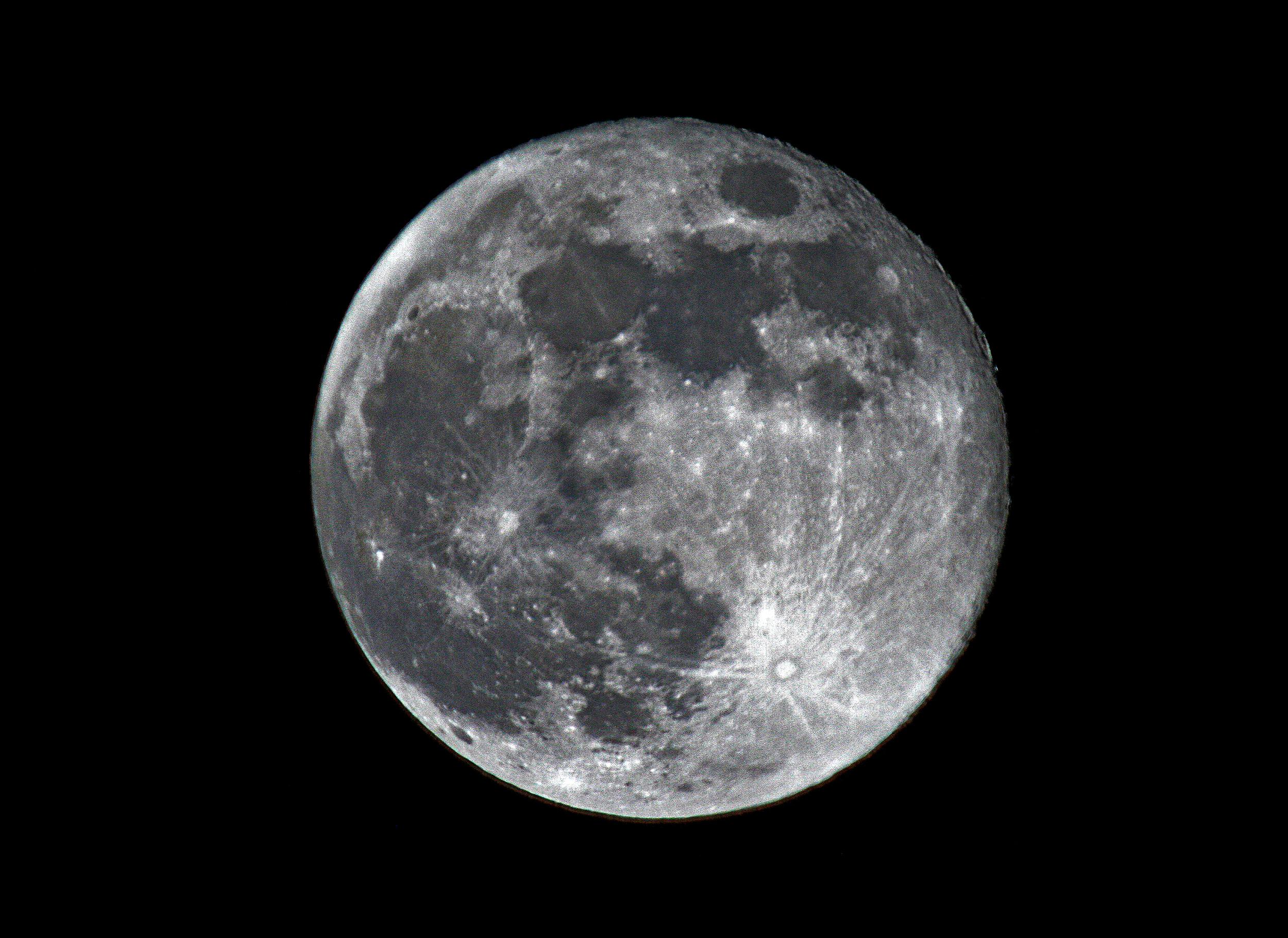 MOON 930 2012.jpg