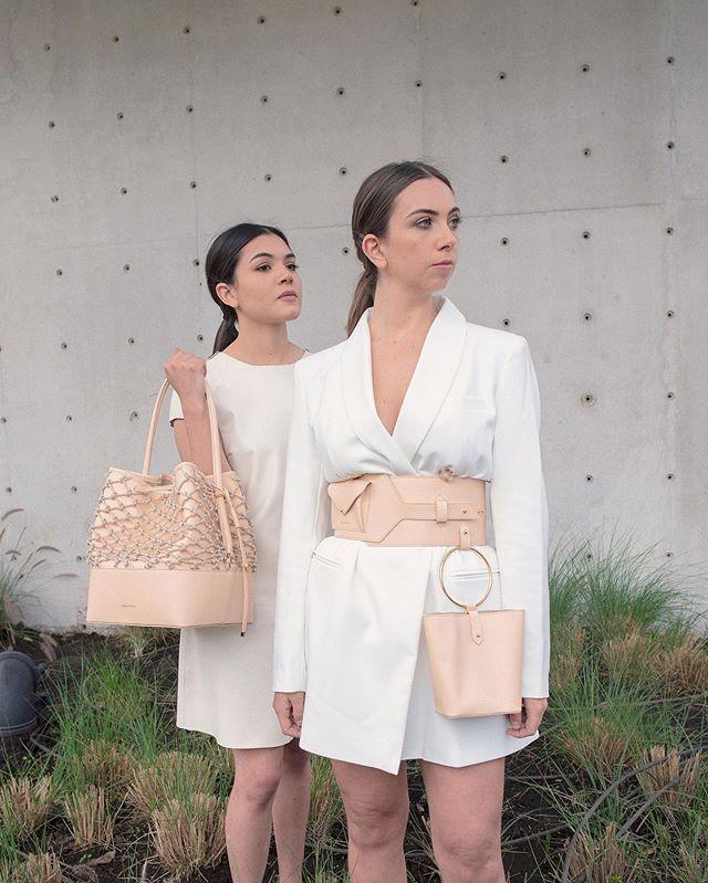"""""""Ciénaga"""" belt & """"Malena"""" bucket in nude, 🌾 the mesh is  handmade in macramé  Photo @j.osej  Makeup @giu.giu.vibes . . . . . . . #isidoramalva #slowfashion #ootd"""