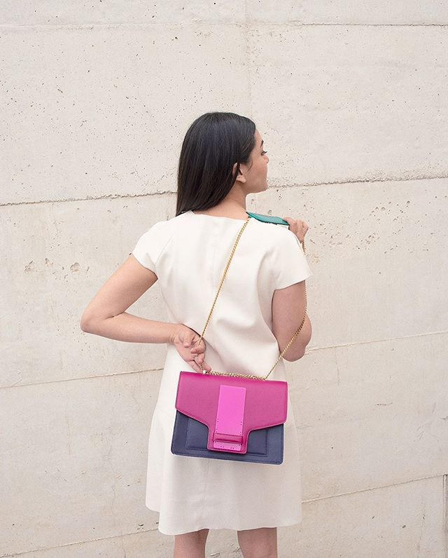 """Angostura"" satchel, mixing Indigo, Magenta and Emerald 💕 from our new Collection INTROSPECTION FW19 #isidoramalva #bfw19 #ootd . . . . . . 📸 @j.osej Mod @isaenavi  Make-Up @giu.giu.vibes"