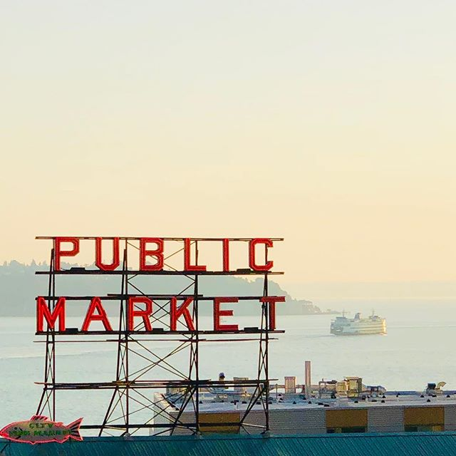 #seattle #washington #usa #market #publicmarket #iphone