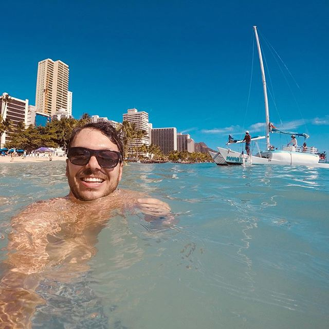 #hawaii #honolulu #neverendingsummer #beach #boatlife #oahu #gopro #selfie #tvshow #canon #globetrotter