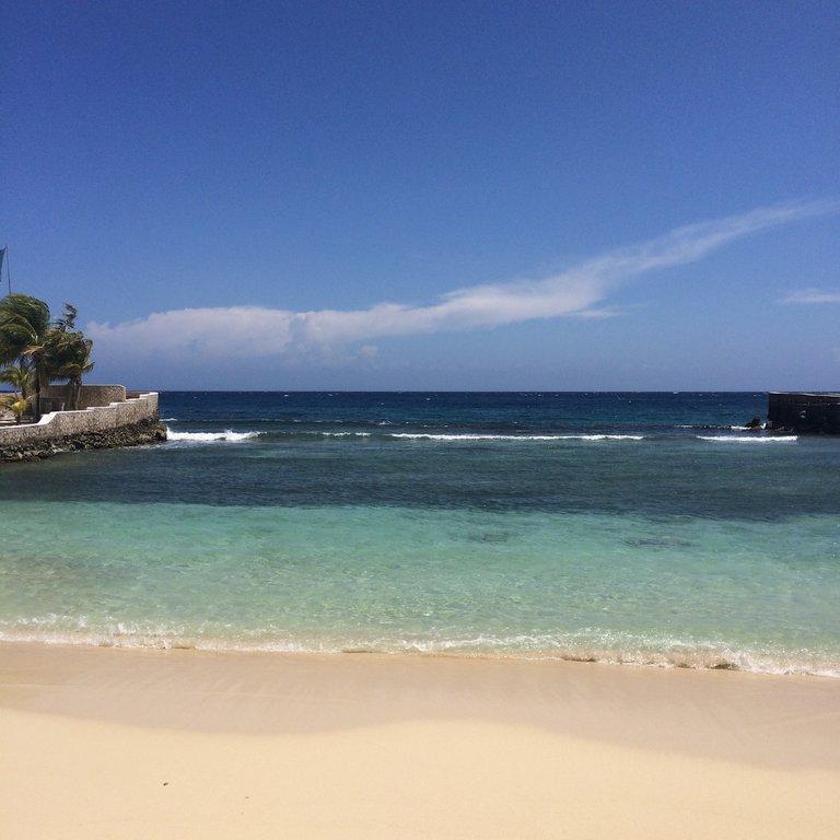 50 tons de azul da Jamaica.