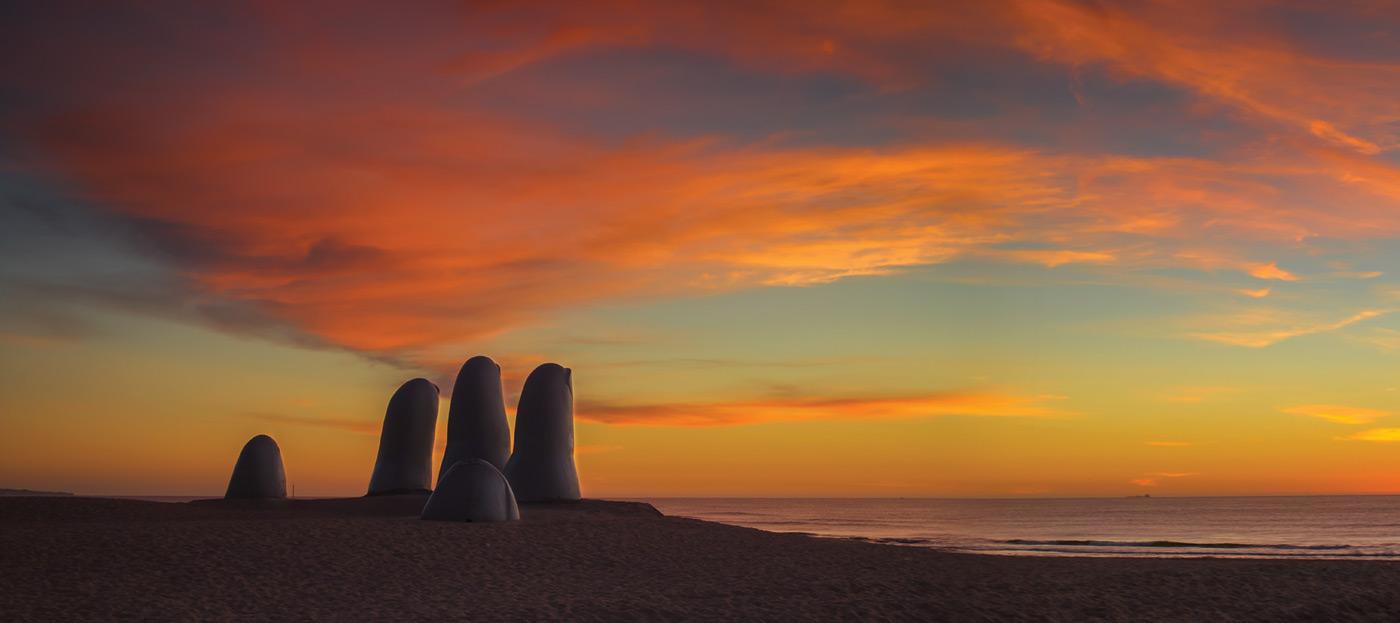 Monumento Los Dedos, Punta del Este, Uruguai
