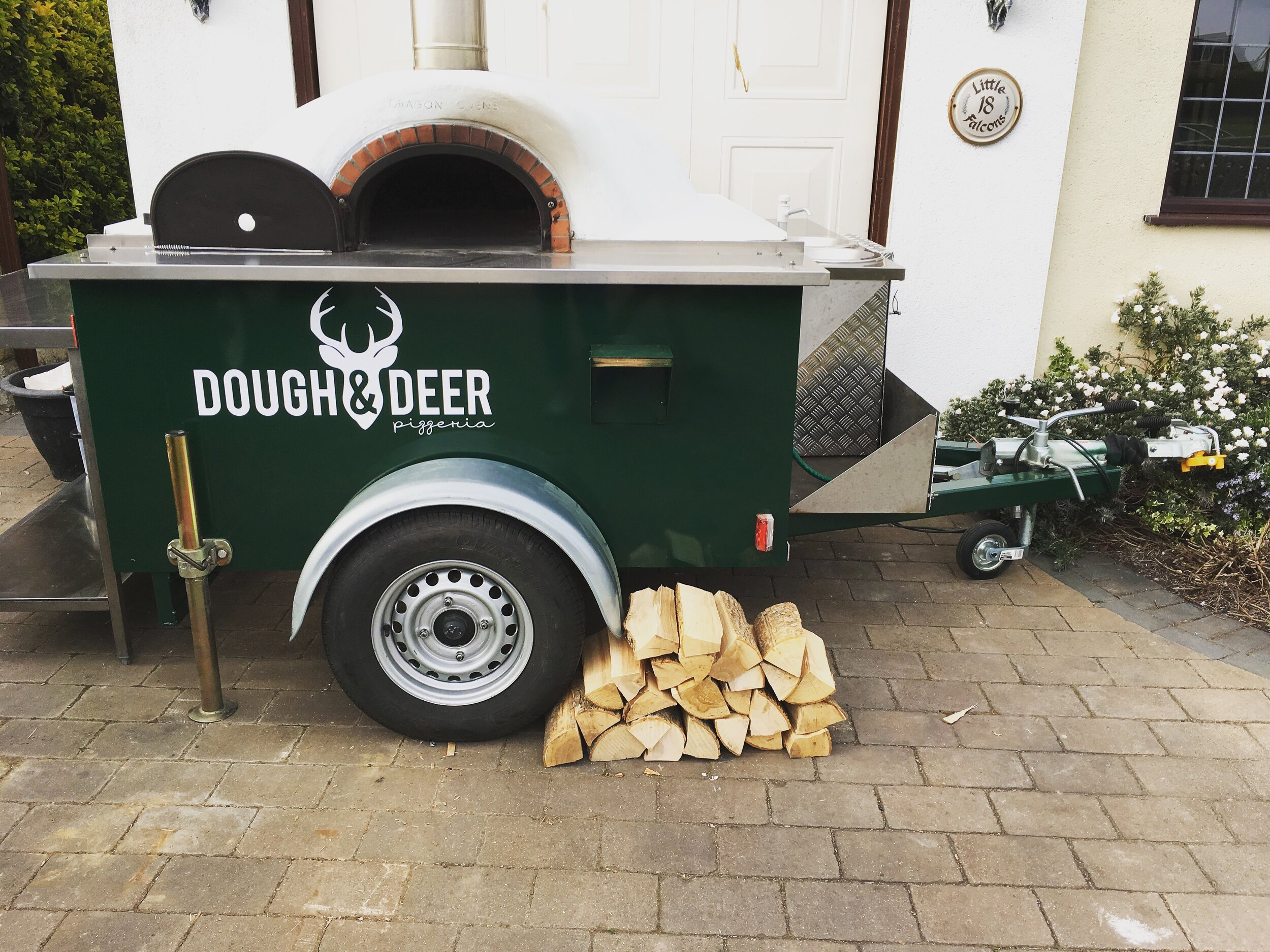 The Fawn - Our Trailer Pizza OVen - Our Mobile Pizza Oven Trailer - the Fawn.Our smaller oven is much more versatile and fit into smaller spaces, she runs at the same capacity as our Land rover cooking up to 80 wood fired pizzas every hour.She may be small but she makes a mighty pizza!