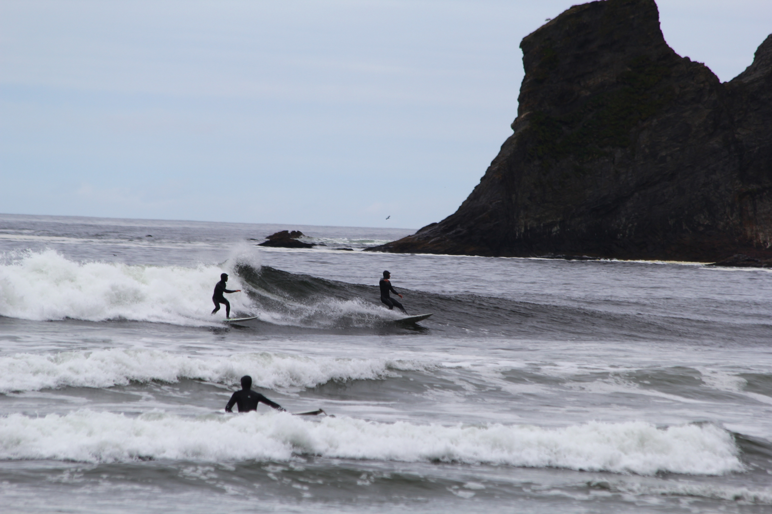 SURFING SHORT SANDS BEACH OREGON