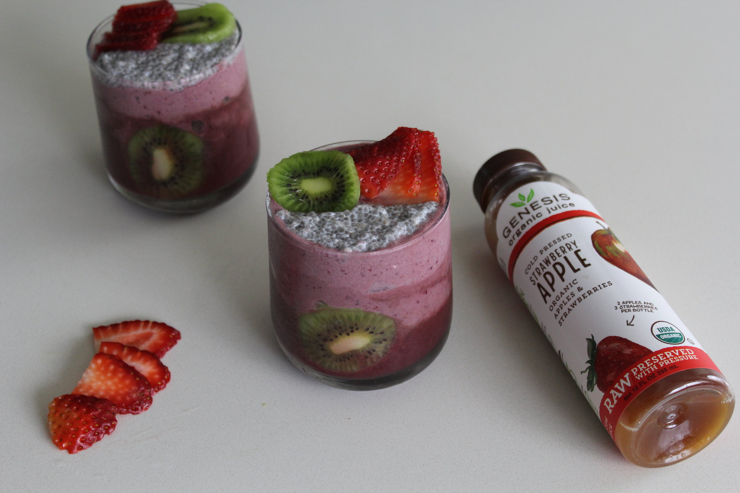 OMBRE SMOOTHIES WITH GENESIS ORGANIC JUICE