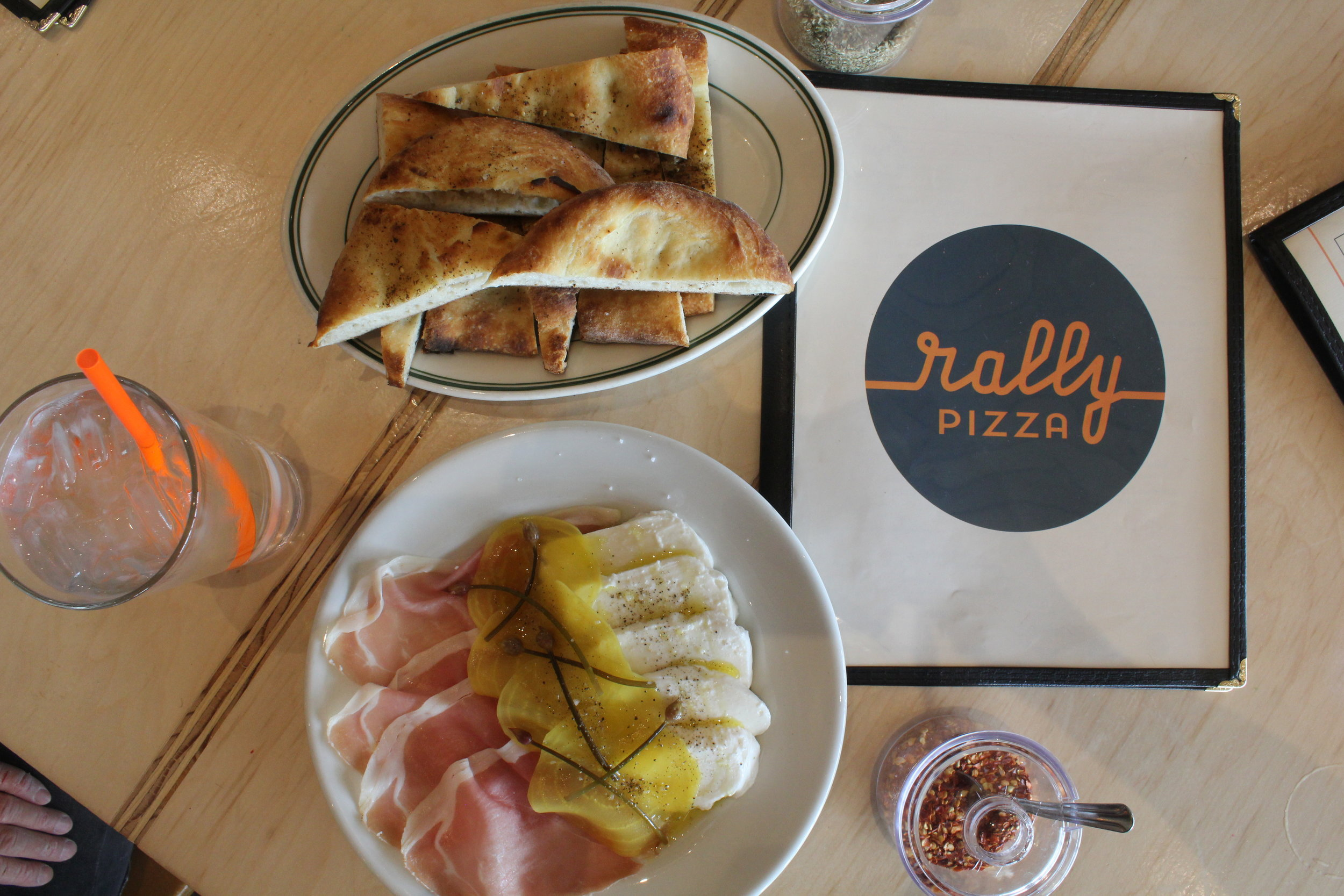 RALLY PIZZA IN VANCOUVER, WA IS YOUR NEXT FAMILY PIZZA NIGHT
