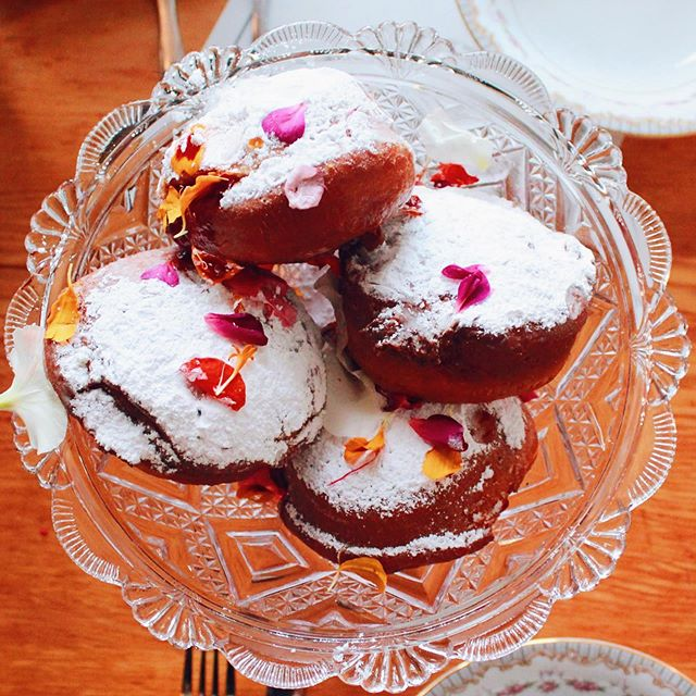 Monday's are for jam-filled Paczki, polka music, and my favoriet Marczewski Night at @Delores.pdx.⁠⠀ ⁠⁠⁠⠀ #maxeneeatspdx #polish #polishfood #polishnight⁠⠀ #delorespdx ⁠⠀ -⁠⠀ -⁠⠀ -⁠⠀ -⁠⠀ #eaterpdx #portland #chasinglight #Yelpeatpdx #portlandfood #travelportland #topcitybites #onthetable #dishedpdx #tastemade #heresmyfood #foodcoma #zagat #portlandfoodie #eatfamous  #travelchannel