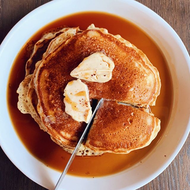 When those Saturday morning goals hit you like a stack of pancakes🥞.⁠⠀ ⁠⠀ It's Friday and I haven't even clocked out of work or slept-in past the rising sun and all I wanna do is to check this MEGA stack of @BullardPDX Flap Jacks off of my list. ⁠⠀ ⁠⠀ Fluffy with griddled edges, topped with warm maple syrup and served with an outta control pat of Amish butter -these are the things you don't mind in life!⁠⠀ ⁠⠀ #maxeneeatspdx #bullardpdx #downtownpdx⁠⠀#eaterpdx ⁠⠀ #pancakes #pancakesunday #amishbutter #pancakeday #sweeeeets #foodandwine #brunch ⁠ #eatfamous #insiderfood #tastethisnext #foodcoma #zagat #yougottaeatthis #createandcultivate #yahoofood #onthetable #feedyoursoull