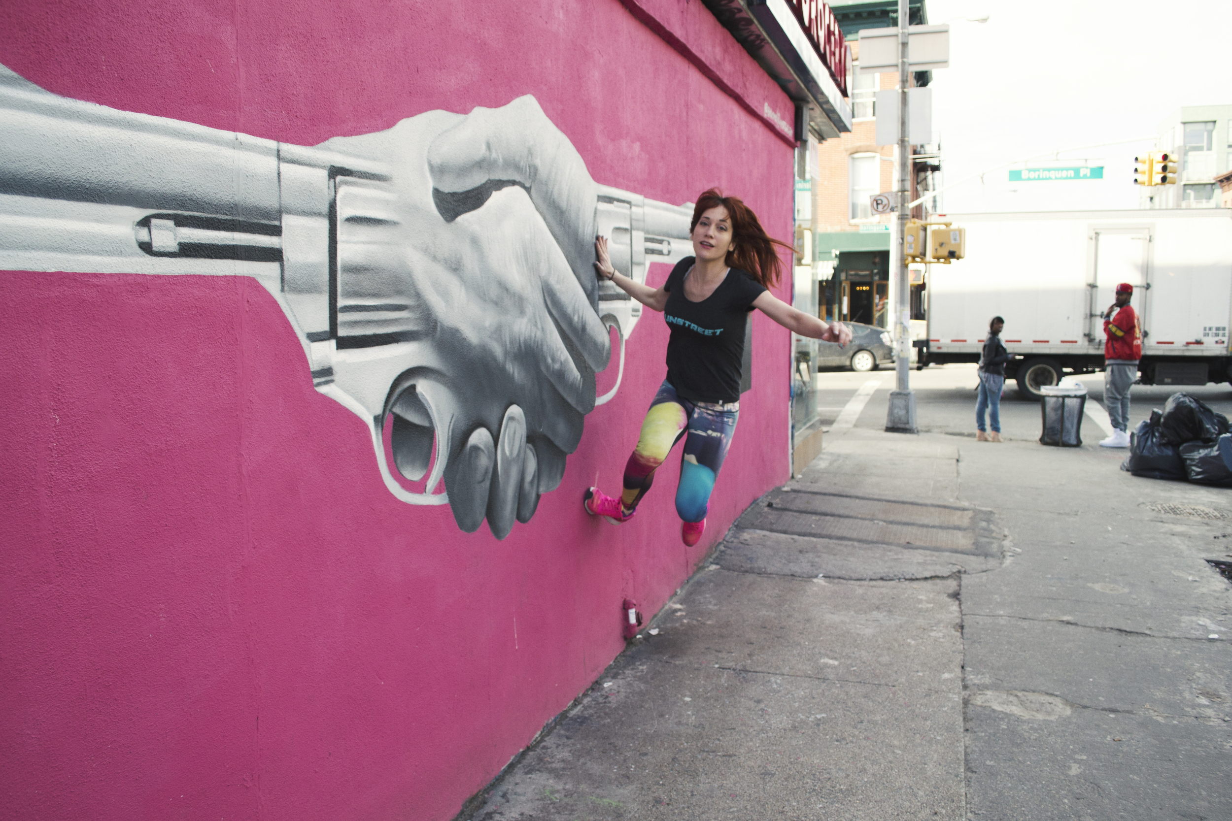 street-art-williamsburg-brooklyn-gun-runner-parkour