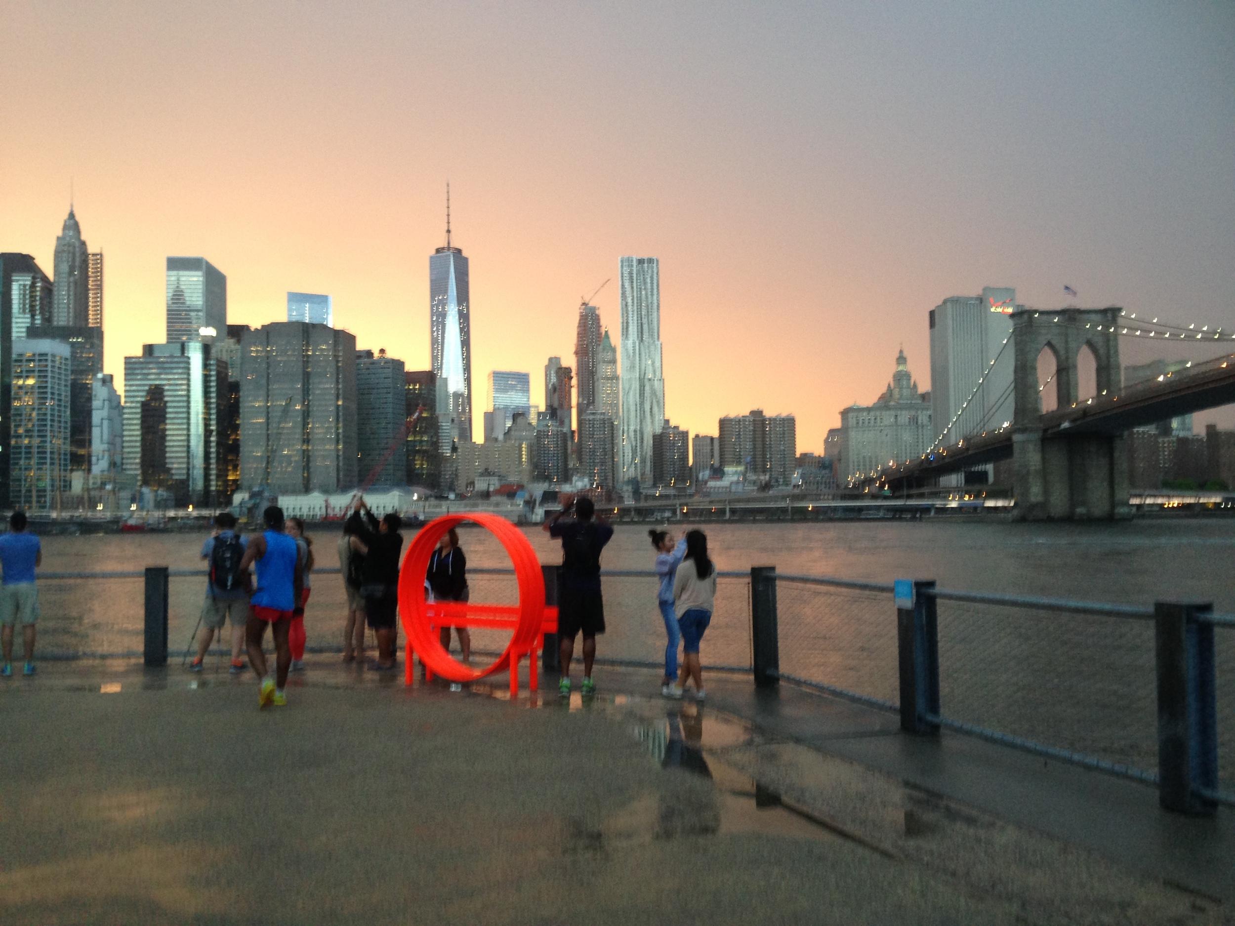 running-dumbo-brooklyn-nyc-skyline