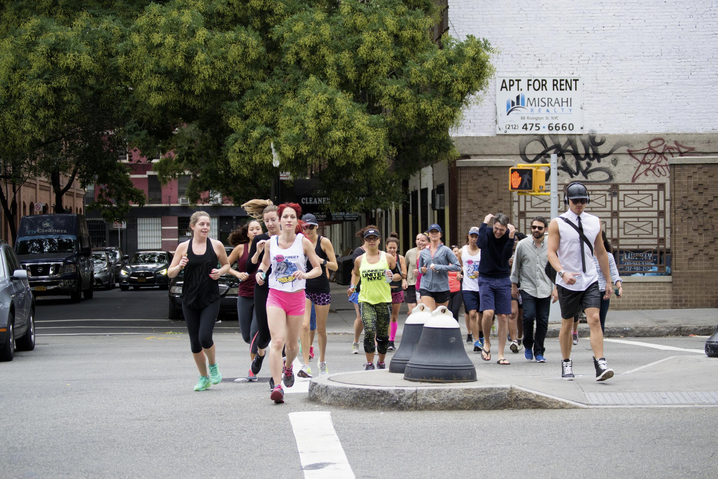 Runstreet-nyc-runners-graffiti-run