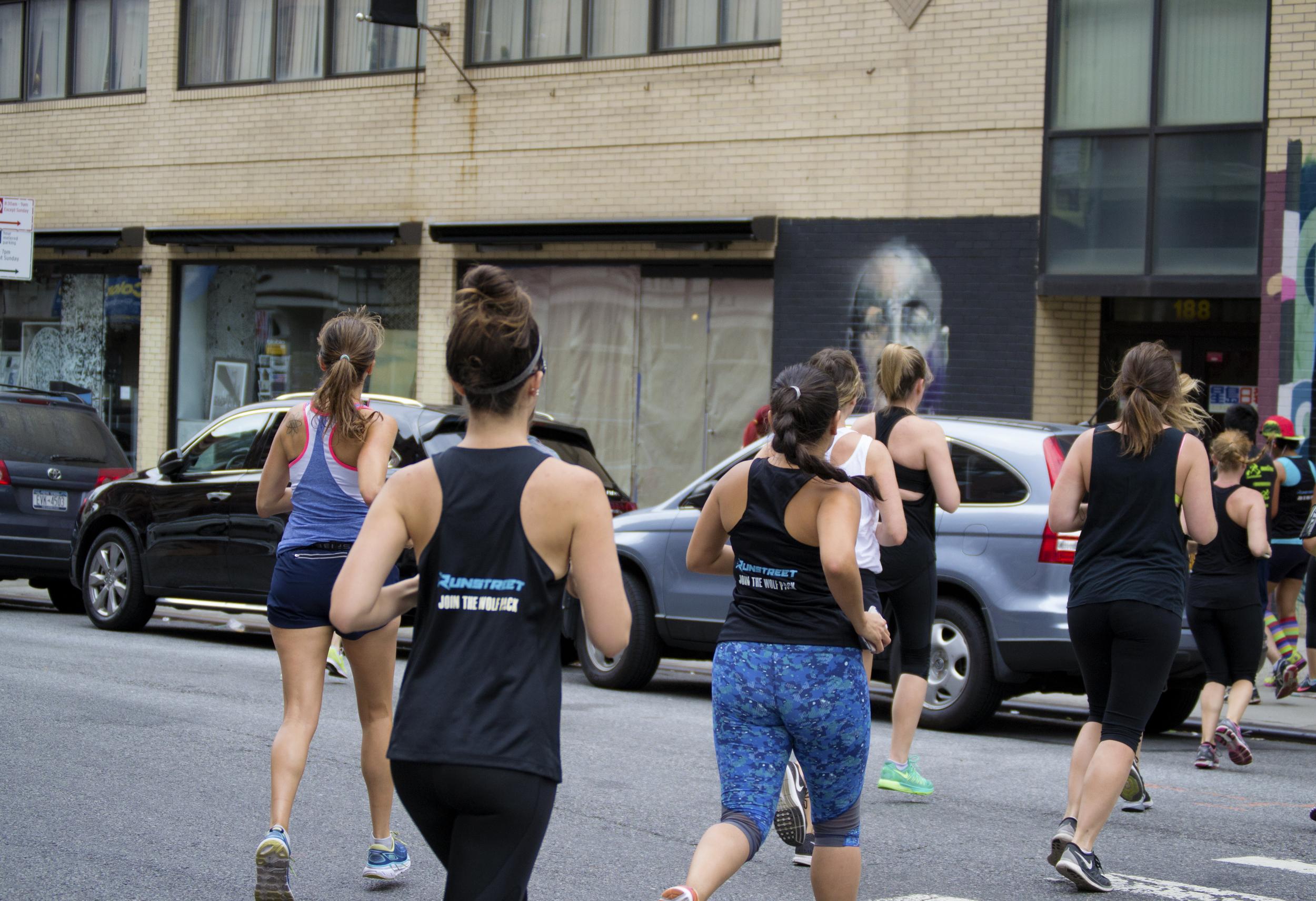 runners-nyc-runstreet-wolf-pack