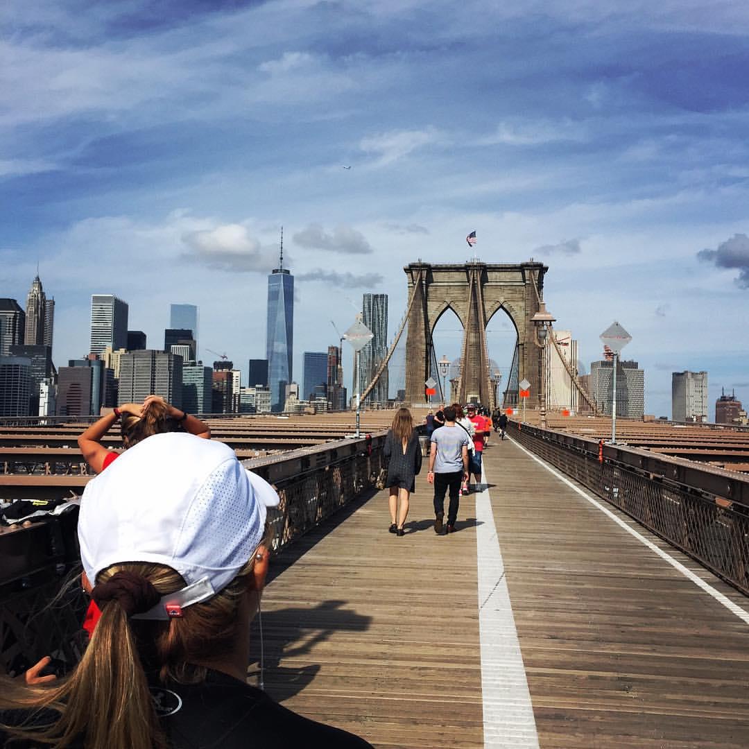 Join Team Runstreet for a beautiful run over the Brooklyn Bridge.