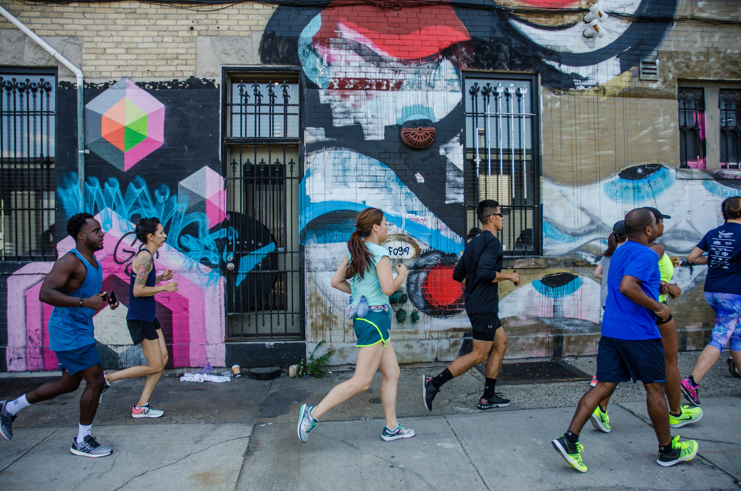 Les at Bushwick Art Run. Mural by Gumshoe Art. Photo by  Filles Garcons Photography .