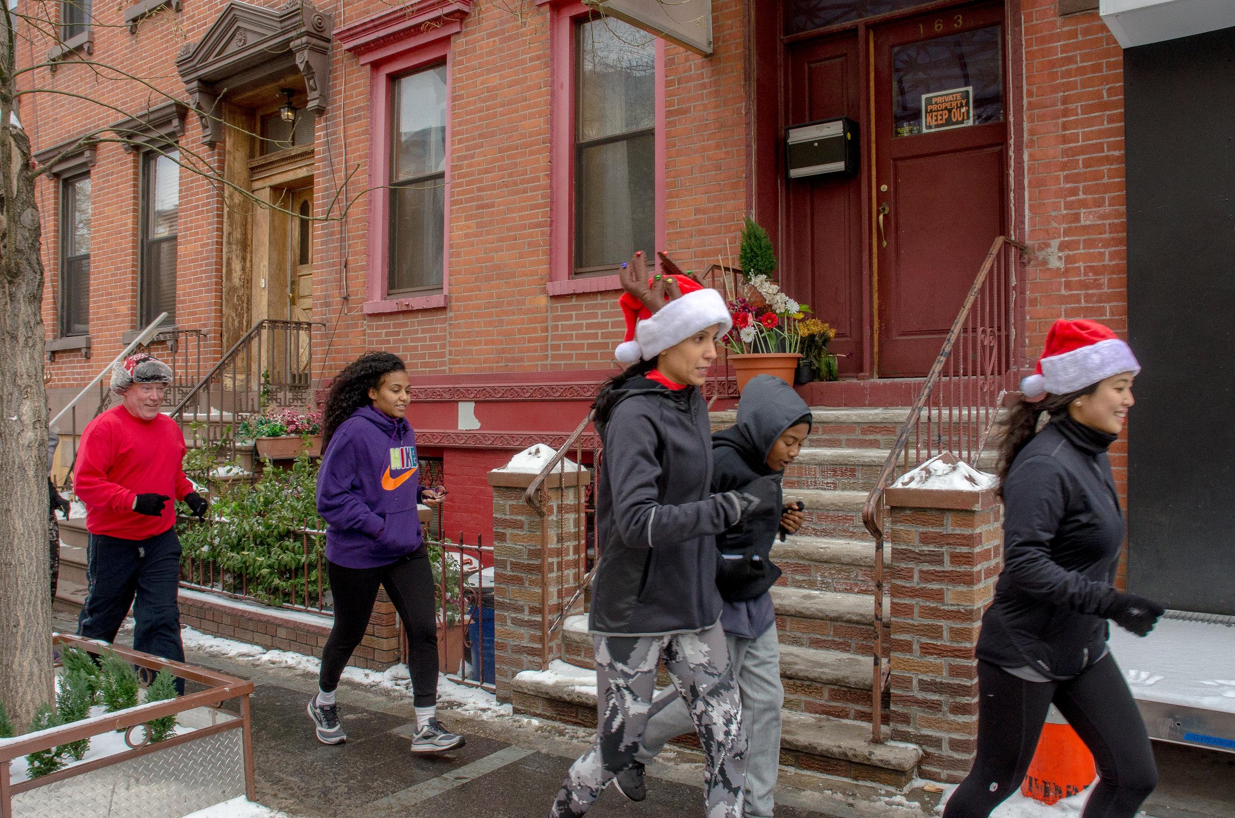 Runstreet Holiday Art Run-8154.jpg
