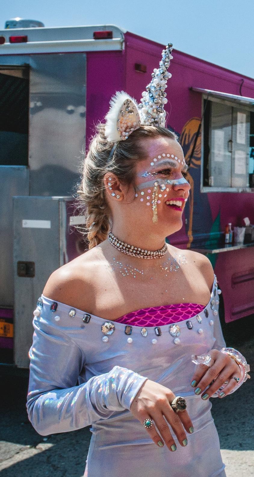 Congrats to costume contest winner  Kalin Hart , who won Riiisa Boogie's mural from the Art Battle!