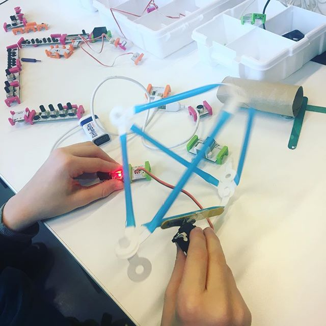 "We ran out of #quirkbot kits so we used #strawbees and #littlebits instead - works ""almost"" as good✌️️"