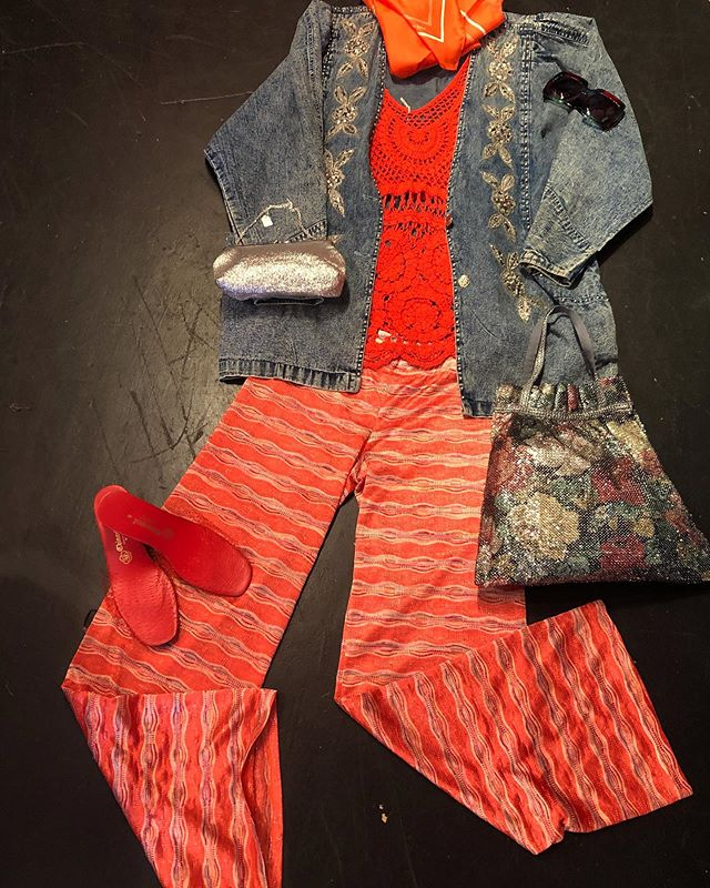 Mesh-mix mash up 🥰 Acid-wash denim blazer ⚡️⚡️: Medium - $40 70s Crotchet Top 🍒🍒: Medium/ Large - $23 Grecian made Sheer Lounge Pants: Small - $24 🌈🌈 Netted mules: Size 8 - $28 🍎 Rainbow sunnies: $18  Silver / Mesh Floral Bag: $16 & $14 💎💎💎 🔑🔑🔑