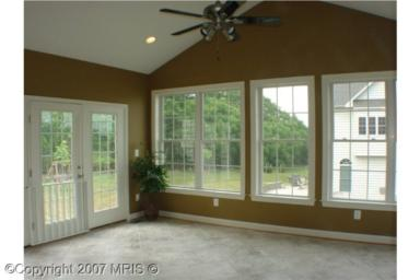 lot4sunroom.jpg