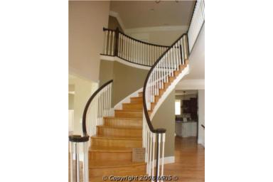 lot28staircase.jpg