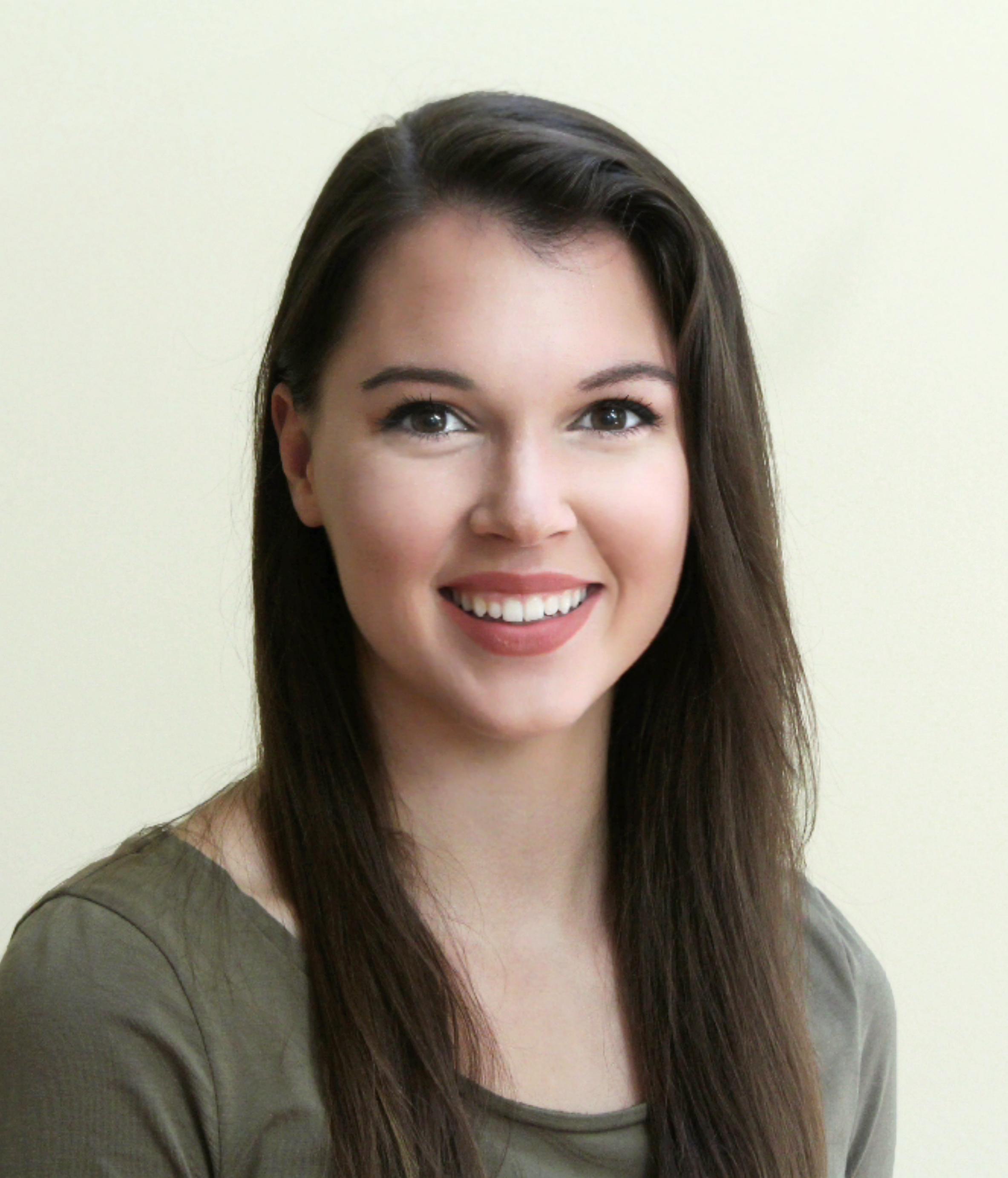Nicole Mair Headshot.jpg