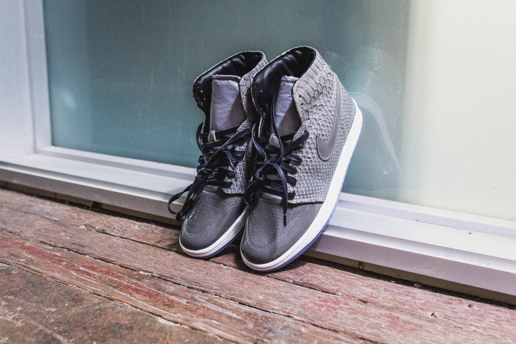 the-shoe-surgeon-custom-air-jordan-1-python-patent-leather-3m-4.jpg