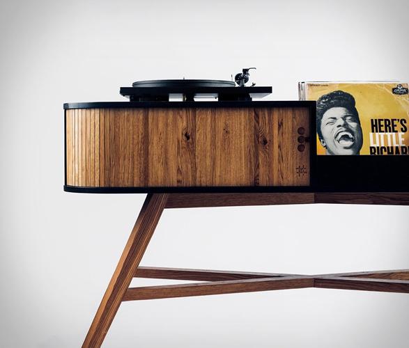 hrdl-vinyl-table-2.jpg
