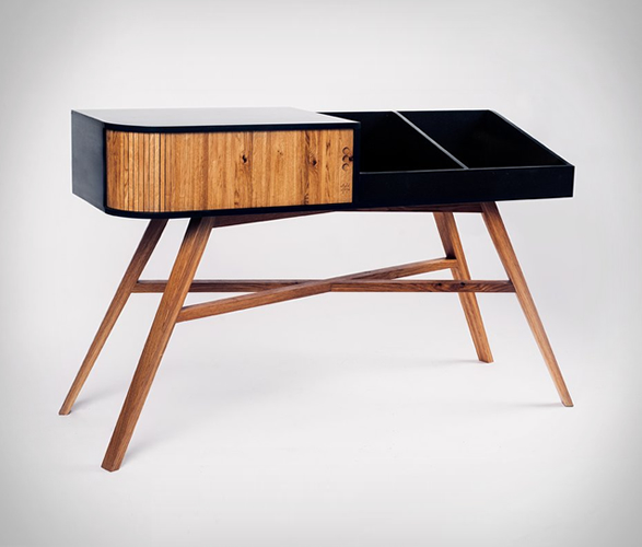 hrdl-vinyl-table-5.jpg