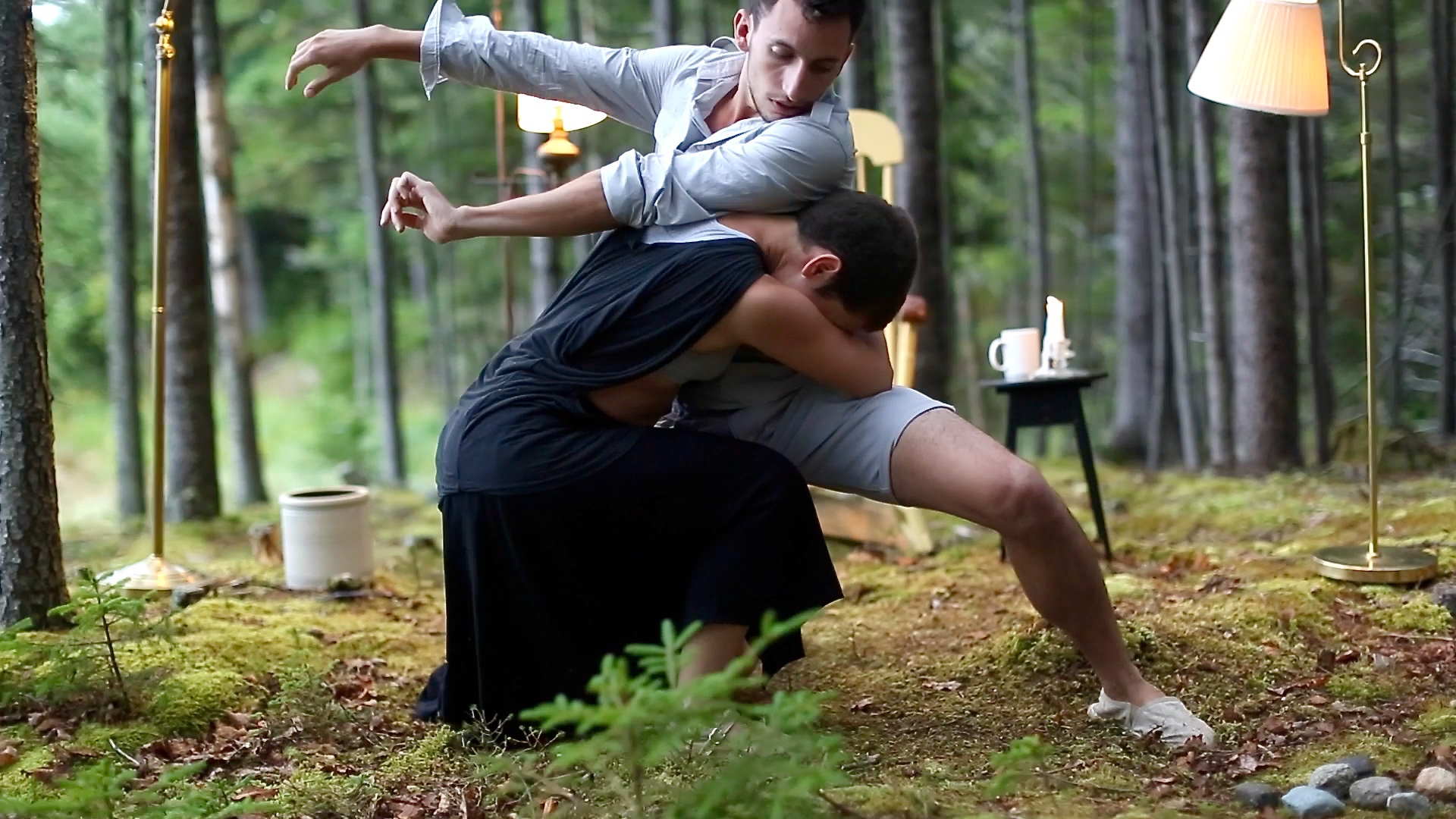 The Weight - A couple dances through an abusive relationship, not willing to let go of each other.
