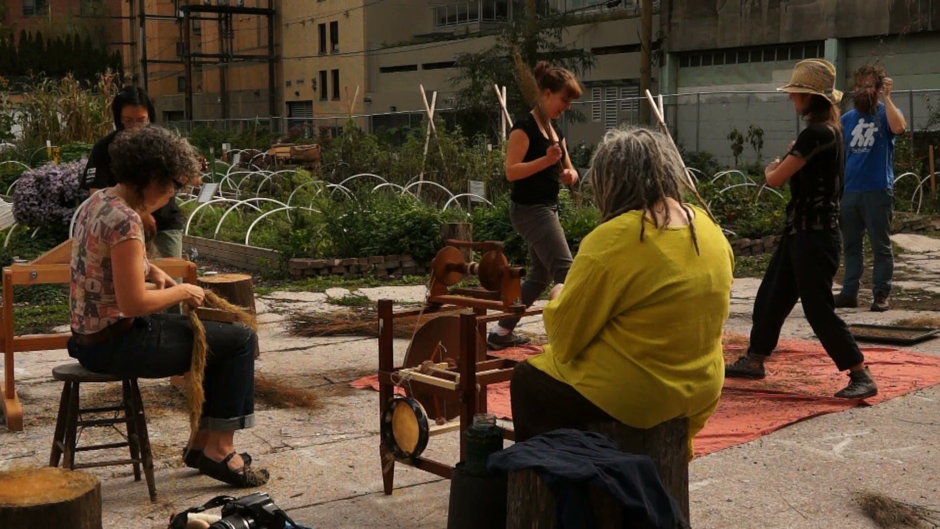 The Urban Cloth Project: Creating a Social Fabric