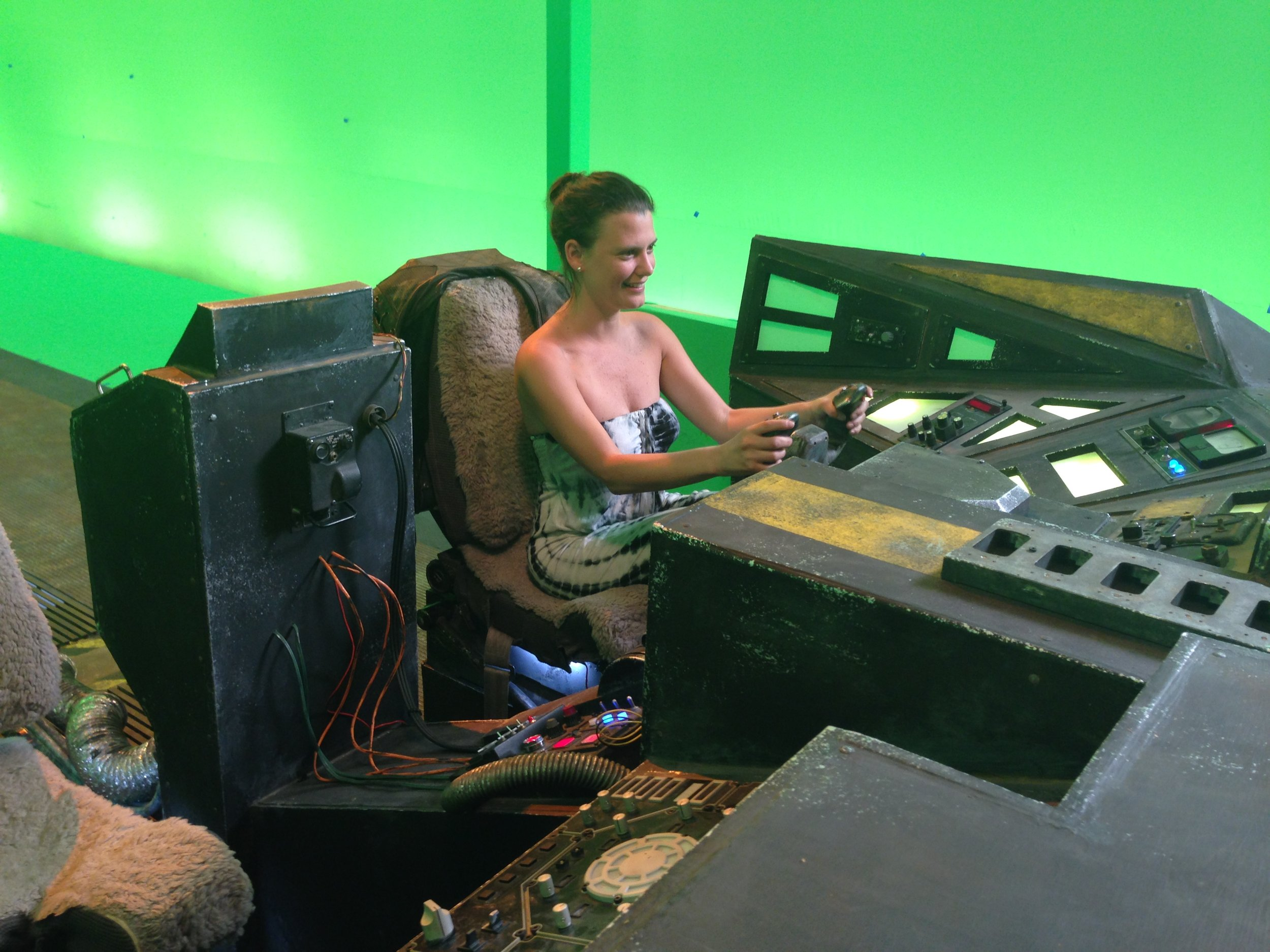 Behind the scenes of The Shipment - Ana at control