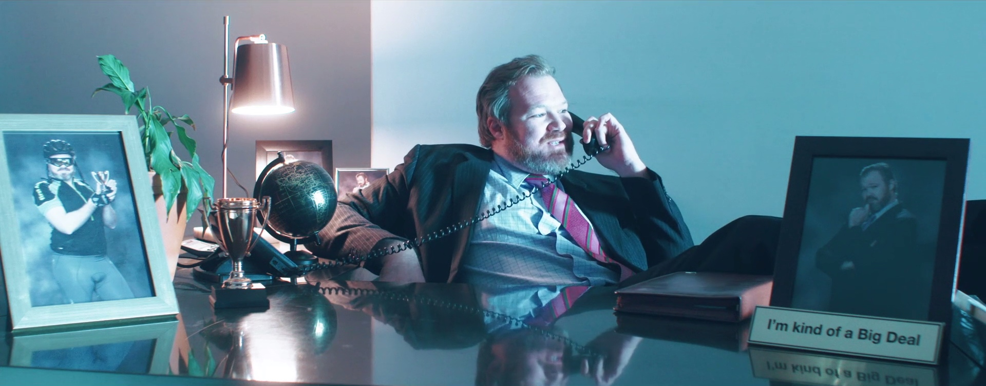 Brad Higgs (Garth Breytenbach), narcissist and douchebag.