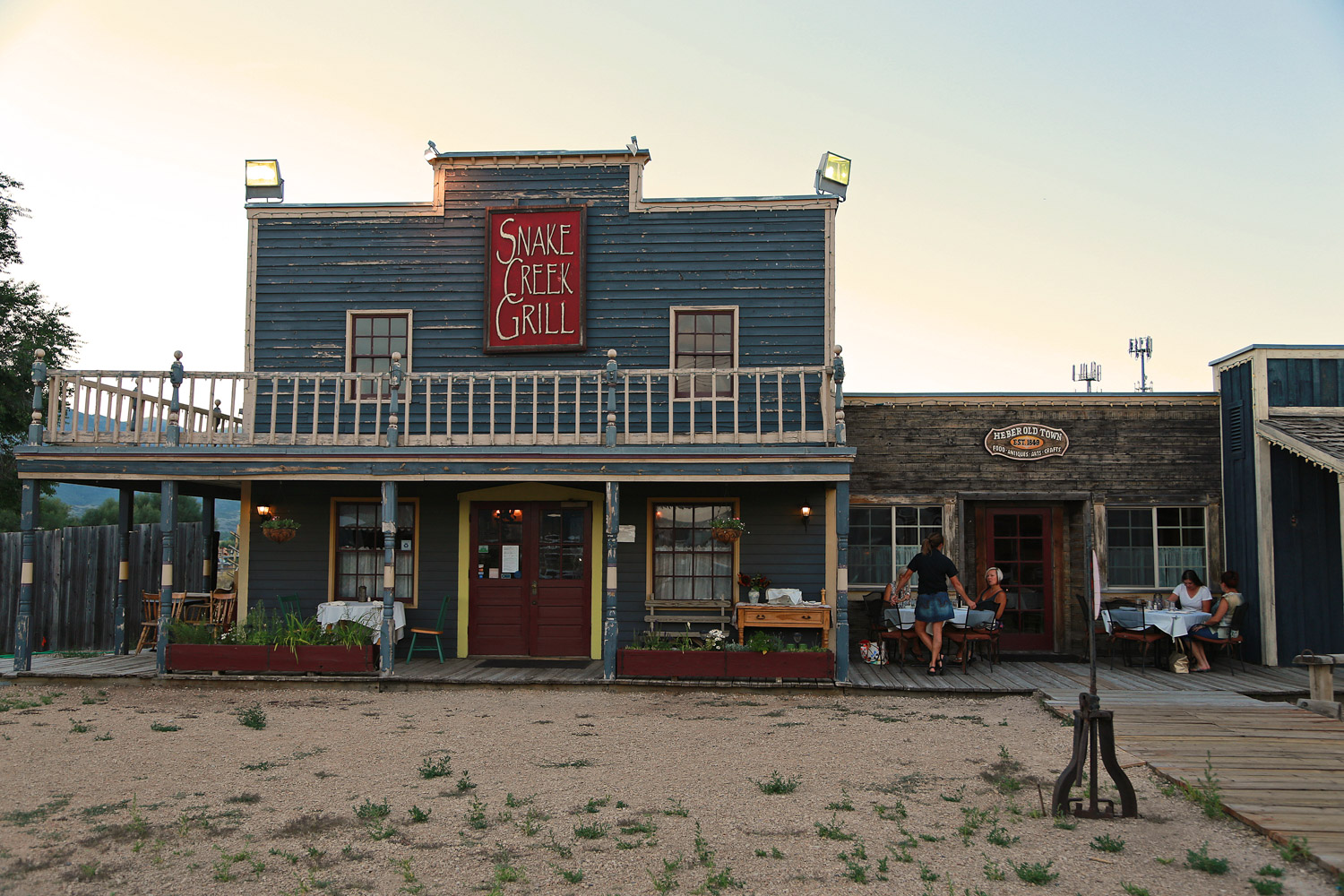Snake Creek Grill - place&space-94.jpg
